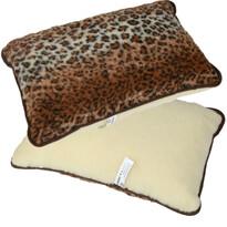 Merino leopárd mintás párna, 40 x 60 cm