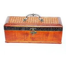 Dekorativní krabička na víno s ratanovým víkem