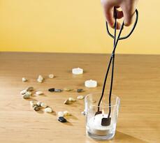 Kovové kleště na čajové svíčky