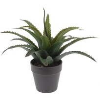 Umělá rostlina v tmavě hnědém květináči